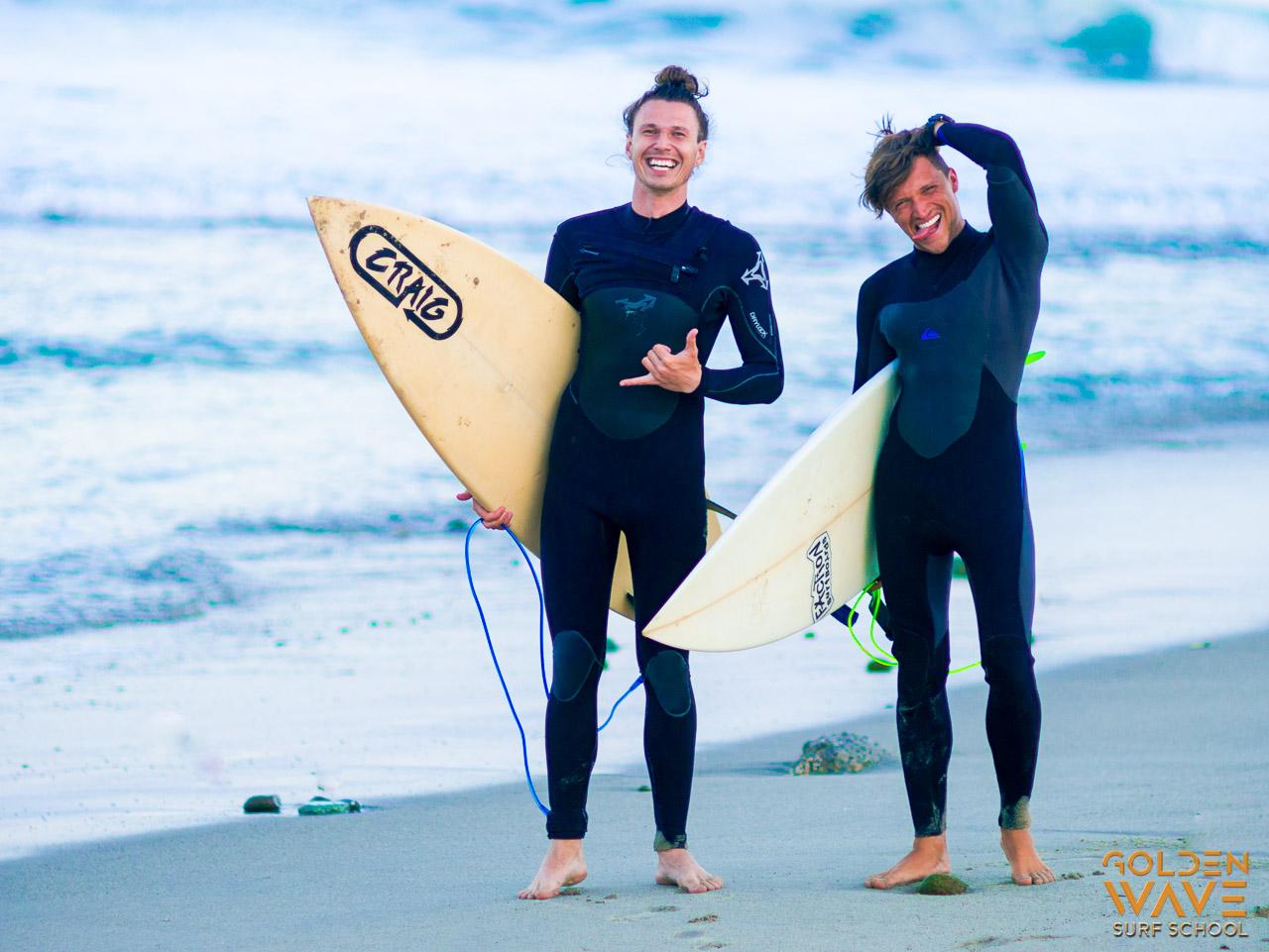 Golden Wave surf school, surf lesson, beginner surfer, surf student, surf school in LA, California, Malibu, Venice surfing lessons, Surfboard & wetsuits rentals, surf instructor