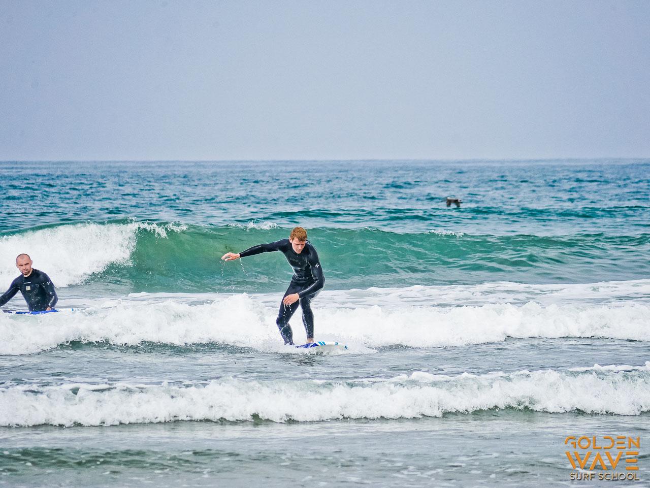 Golden Wave surf school, surf lesson, beginner surfer, surf student, surf school in LA, California, Malibu, Venice surfing lessons, Surfboard & wetsuits rentals.